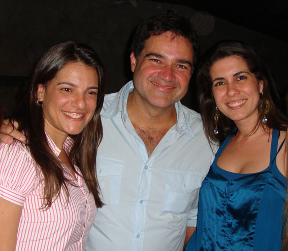 As sócias da Marcativa Aline Lasza e Aline Brault com Sérgio Valente