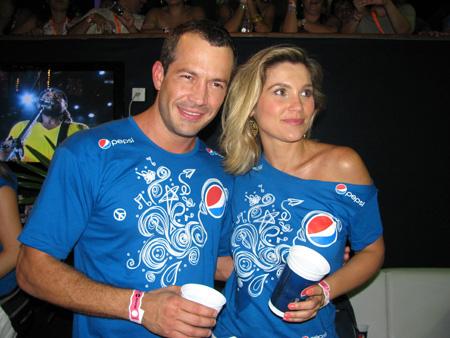 Malvino Salvador e Flávia Alessandra curtindo o Camarote Pepsi