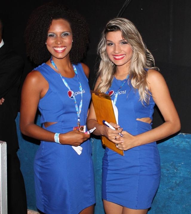 Promotoras-recepcionam-os-convidados-do-Camarote-Pepsi_ copy