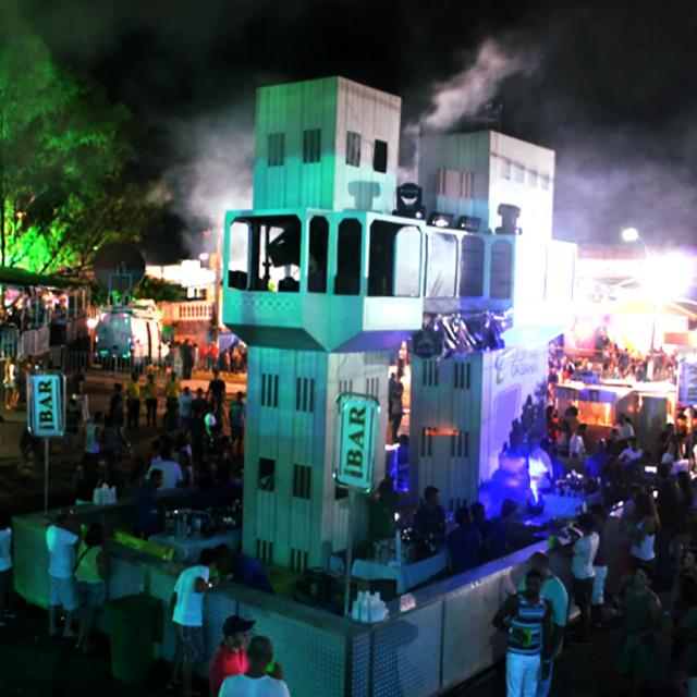 4-Torre dos DJs